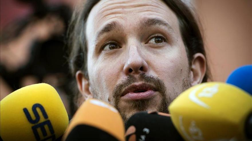 Iglesias dice que no hay que estar nervioso a su llegada al TeatroGoya