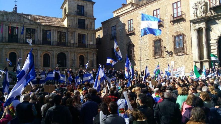 Manifestación en Toledo por la recuperación de Talavera de la Reina y su comarca