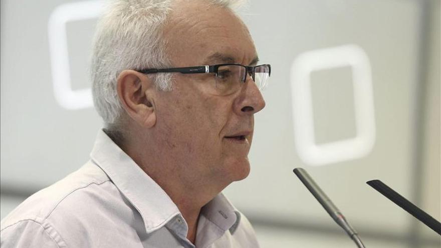 Cayo Lara considera que una querella contra Mas sería una torpeza política