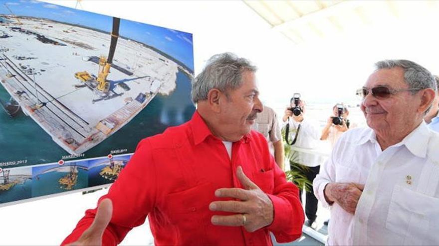 Lula rinde tributo a Chávez en una conferencia en Cuba y se reúne con los Castro