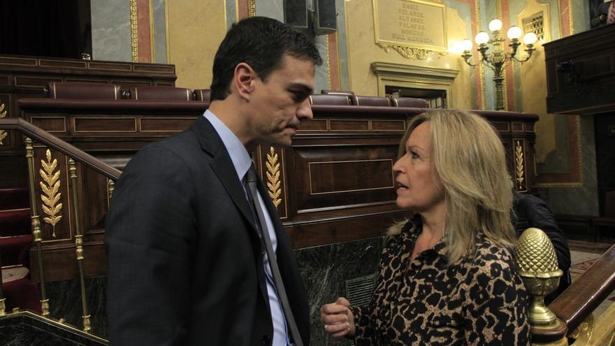 Pedro Sánchez y Trinidad Jiménez en el hemiciclo del Congreso en una imagen de archivo