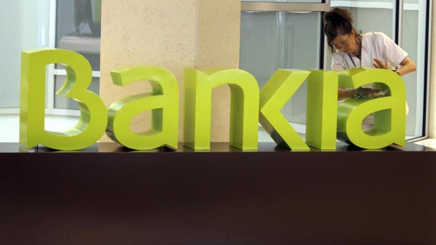 El Estado cierra la venta de un 7 por ciento de Bankia por 818,3 millones de euros