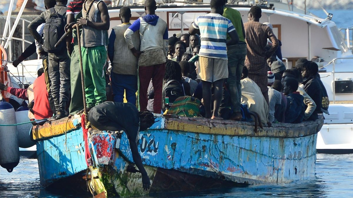 Las 200 personas rescatadas al sur de Gran Canaria a bordo de un cayuco