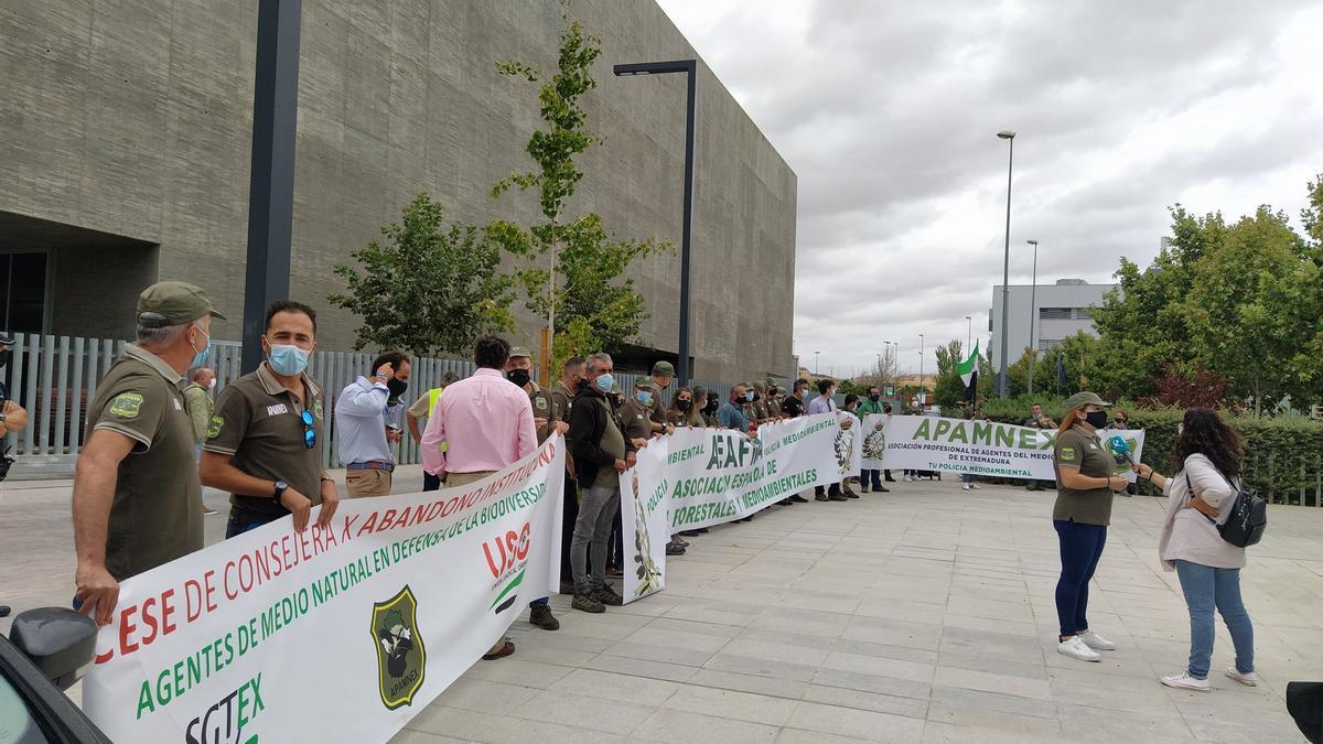 Protestas de agentes del medio natural este martes en Mérida