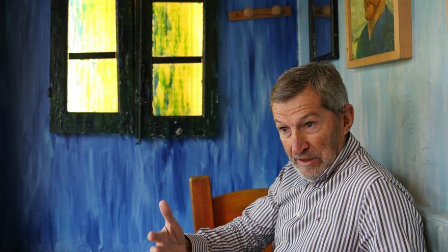 Julio Rodríguez, en el café Van Gogh de Madrid.