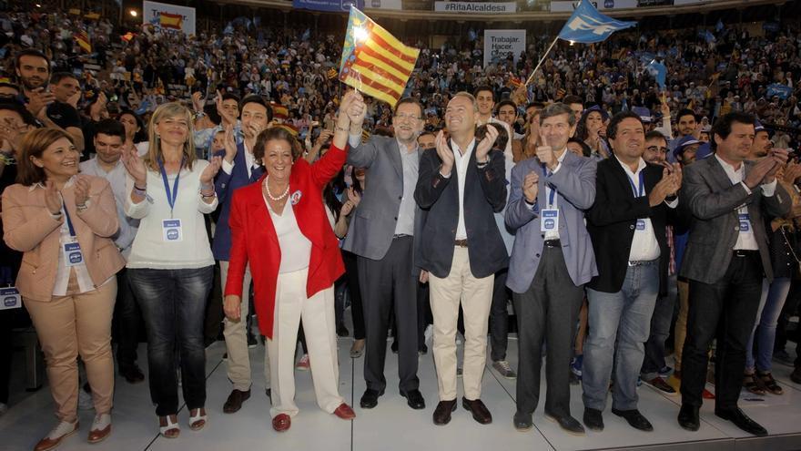 Rajoy da su apoyo a Barberá en un mitin multitudinario en Valencia, sin referencias a la corrupción
