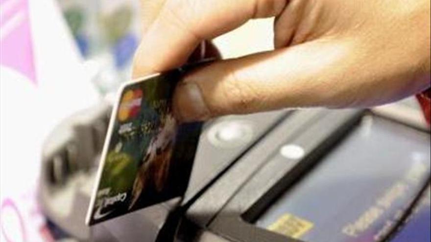 Detenido en Caracas pasajero con 165 tarjetas de crédito con destino a Madrid