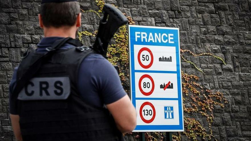 Sin colas en la frontera de Irún en el día en que arranca el G7