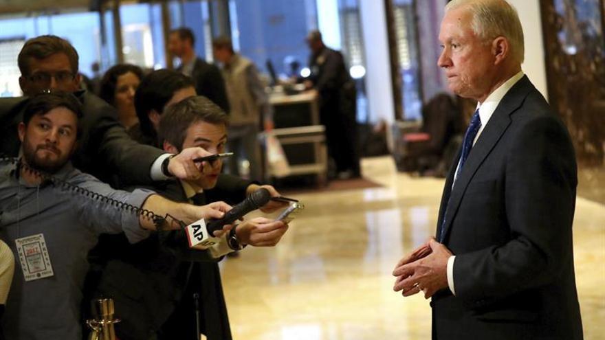 """Los """"halcones"""" de Trump alarman a los defensores de los derechos civiles"""