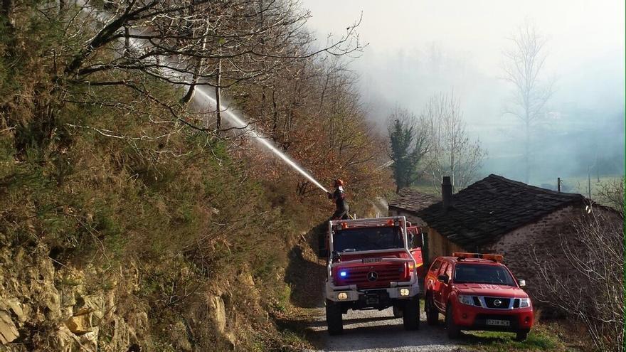 Cantabria urge la intervención del Ejército con medios terrestres y aéreos