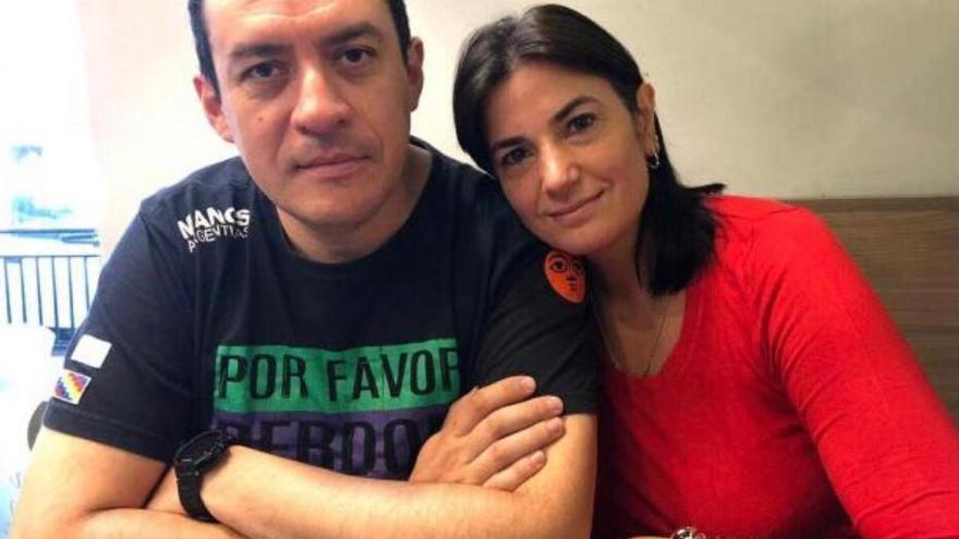 José Gijena y Cecilia Ousset, los médicos que practicaron la cesárea a una niña violada y han sido denunciados por homicidio.
