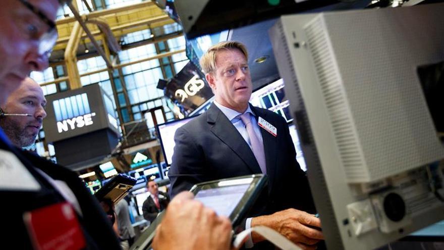 Wall Street abre en mixto y el Dow Jones avanza 0,26 %