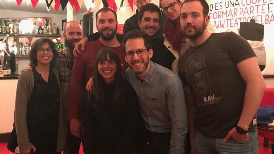Foto de grupo de los representantes de los Sindicatos en la presentación de la Plataforma contra los fondos buitre ayer en Madrid.