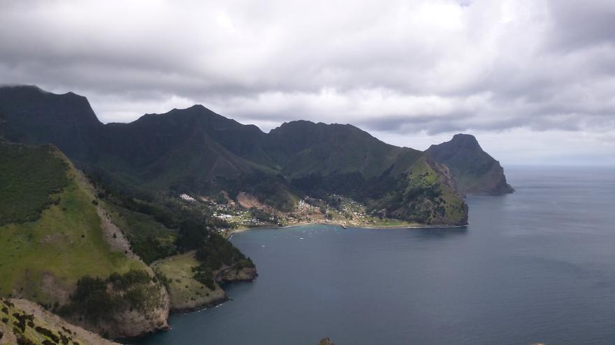 San Juan Bautista desde las alturas del sendero que va a Puerto Francés. troita