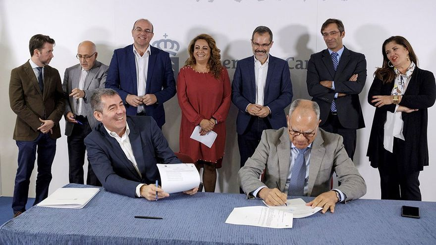 Los presidentes de los siete cabildos, junto al presidente del Gobierno de Canarias