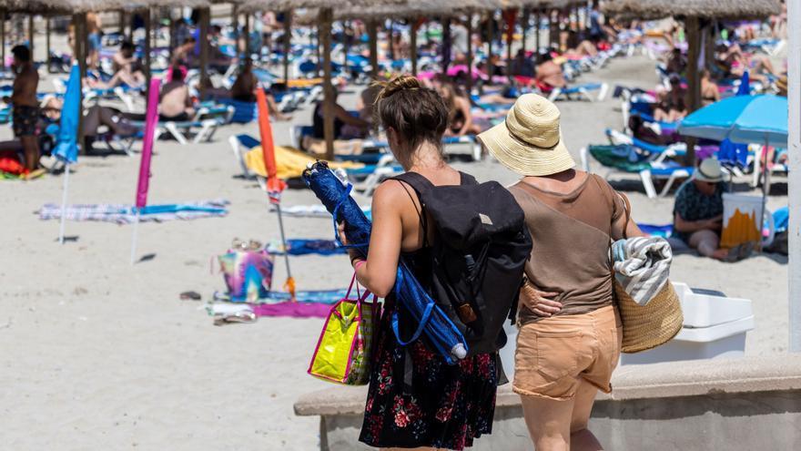 La mitad de los españoles no tiene pensado irse de vacaciones este verano