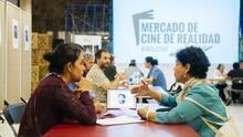 Reuniones entre agentes asistentes a la muestra de cine documental, en Guía de Isora esta semana