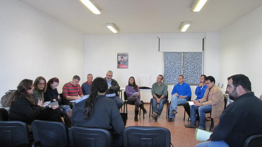 La Mesa por el Empleo de La Palma se reunió este jueves en la sede de UGT. Foto: LUZ RODRÍGUEZ.