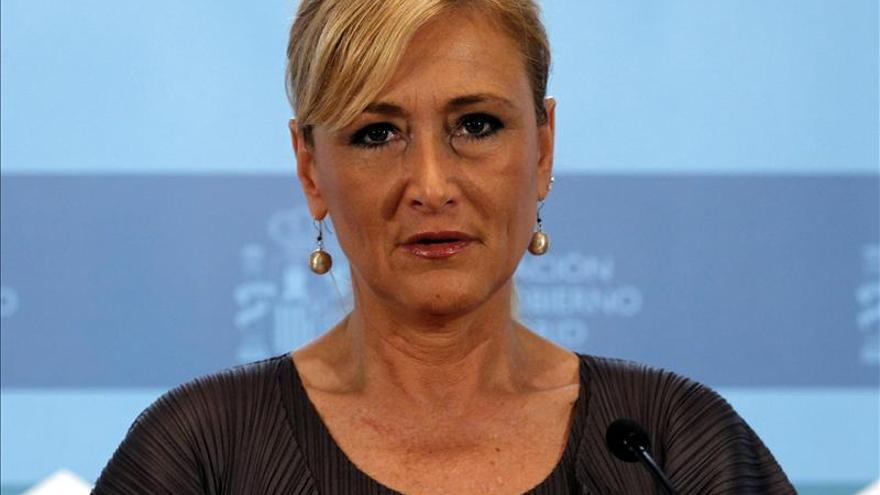 Cifuentes critica que el PSOE crea más a un presunto delincuente que a Rajoy