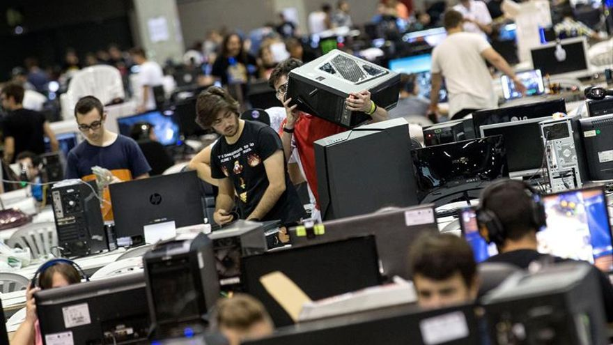 Interior pide a las empresas fomentar la ciberseguridad de sus empleados