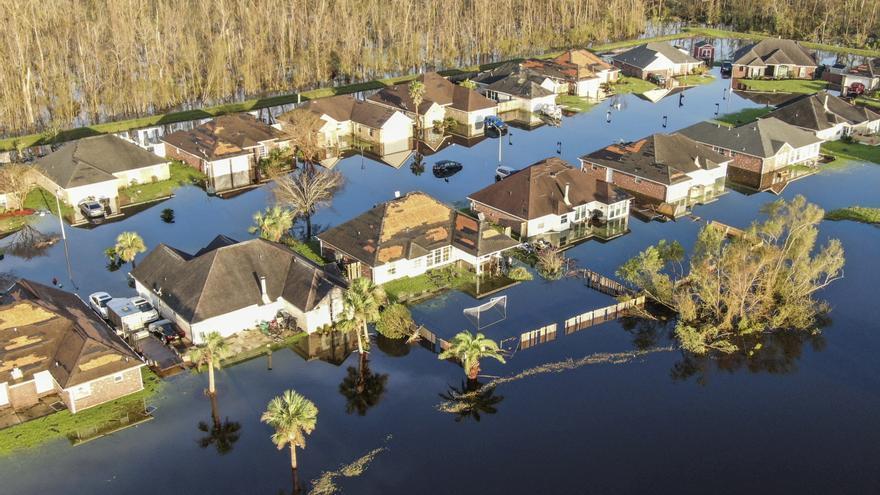 Luisiana desvela mayor destrucción y muerte por Ida en medio de un gran apagón