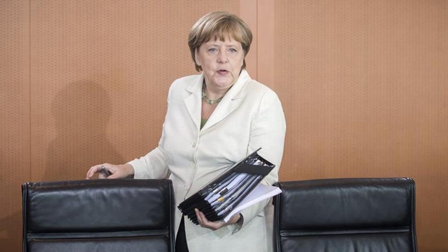 Merkel y sus ministros se suben sus sueldos