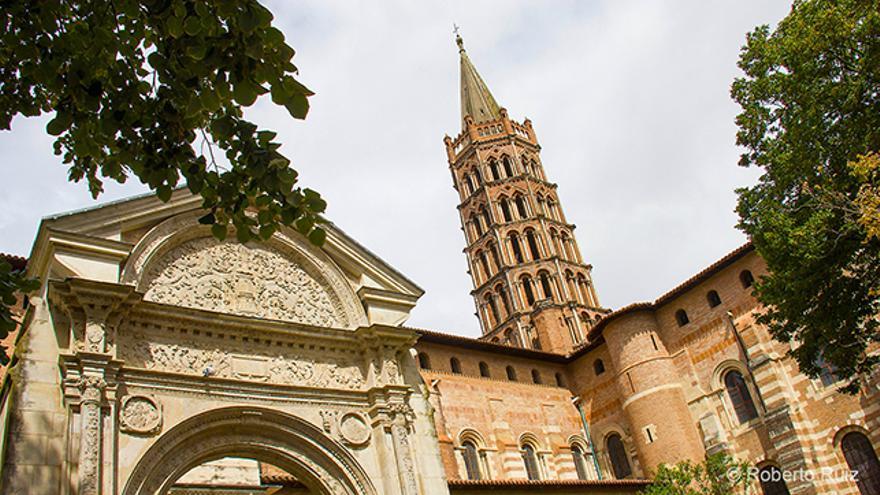 La Basílica de Saint-Sernin, de estilo románico y construida en ladrillo, es uno de los principales atractivos de Toulouse