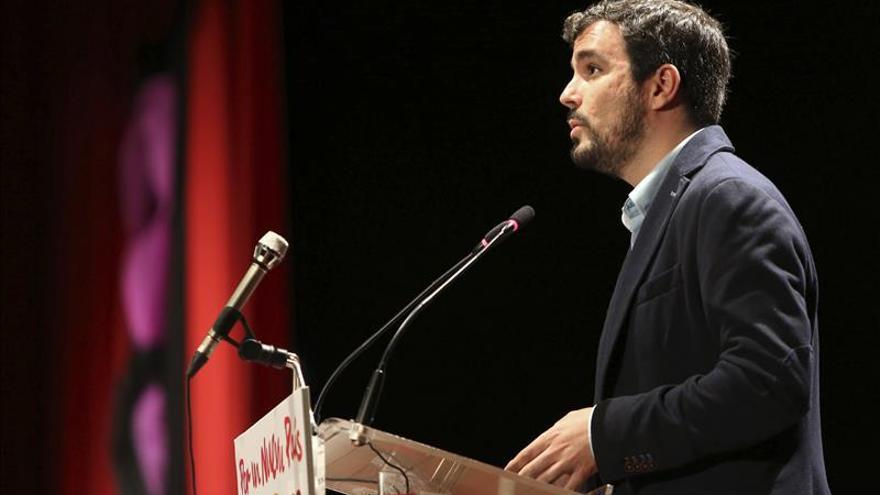 Garzón ve violada la actual Constitución y da pasos para una nueva en 2018