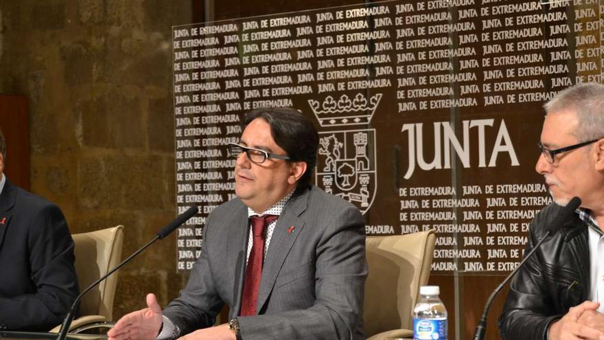 El consejero de Sanidad y Políticas Sociales, José María Vergeles.