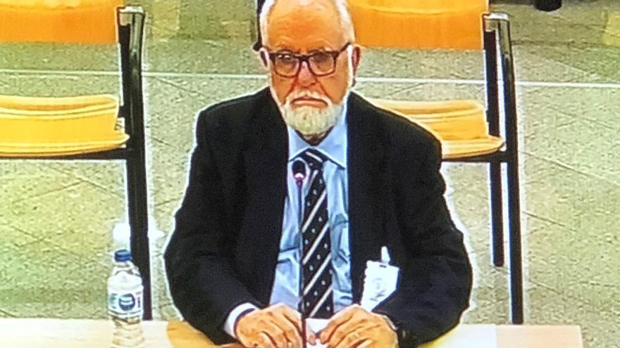 Juan Cotino, durante el interrogatorio del juicio sobre la visita del Papa a València.