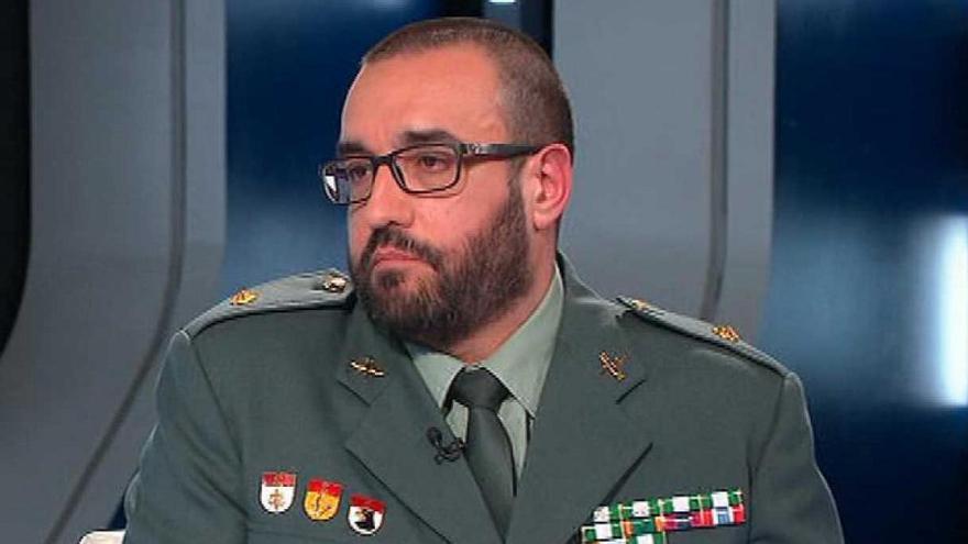 El teniente coronel Daniel Baena, en una aparición en un programa de televisión.