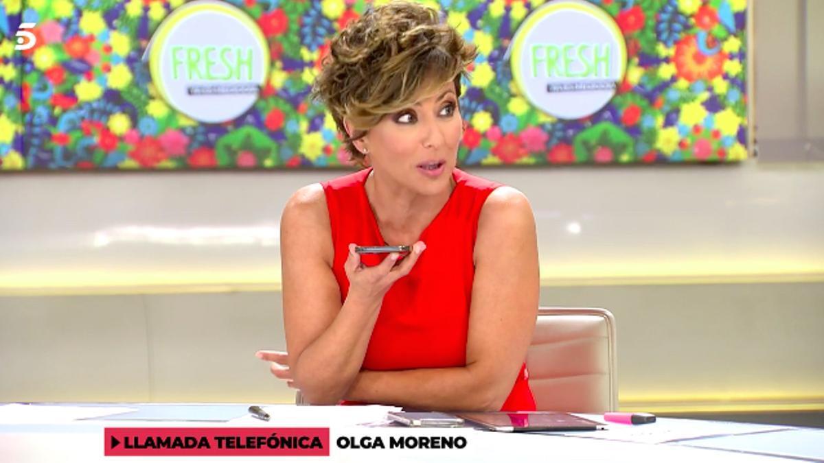 Sonsoles Ónega al teléfono con Olga Moreno