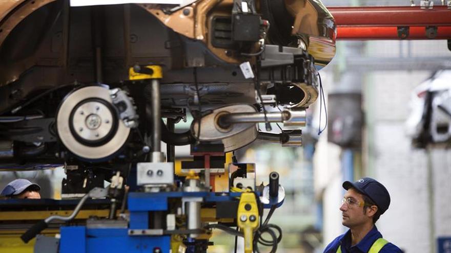 La producción industrial cae un 0,8 % en la eurozona y un 0,7 por ciento en la UE en septiembre