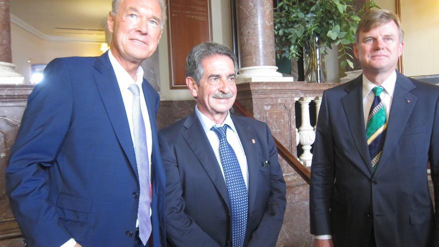 Revilla prevé un 'corralito' y problemas para financiarse y pagar pensiones con la independencia