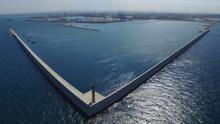Parte de los diques de la primera fase de la ampliación norte del puerto de València