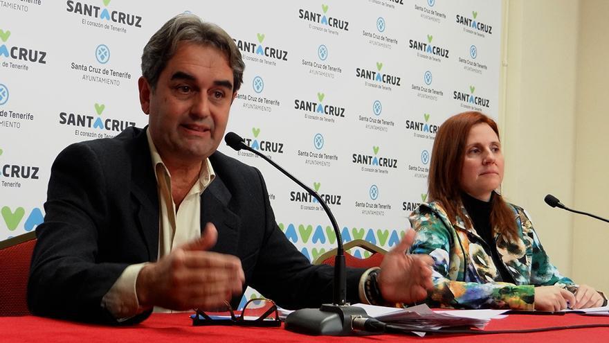 Pedro Fernández Arcila y Asunción Frías, durante la rueda de prensa de este jueves