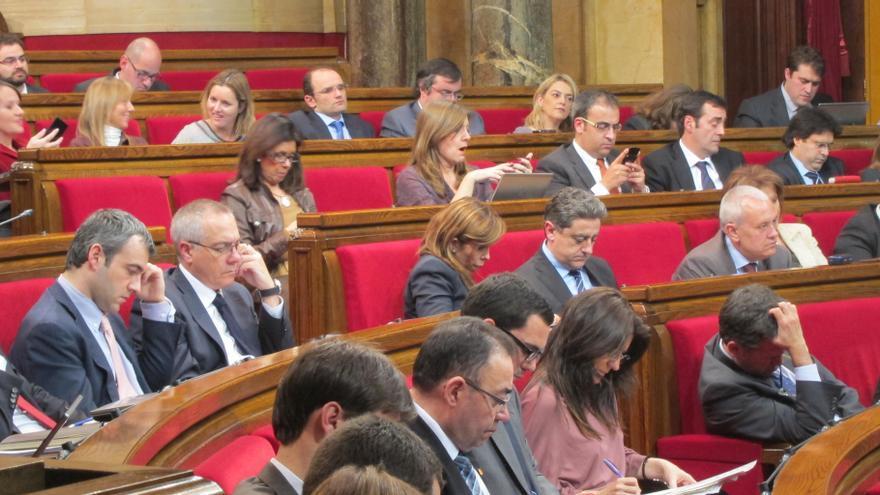 Los diputados del PP catalán abandonan el hemiciclo tras votar contra la declaración de soberanía