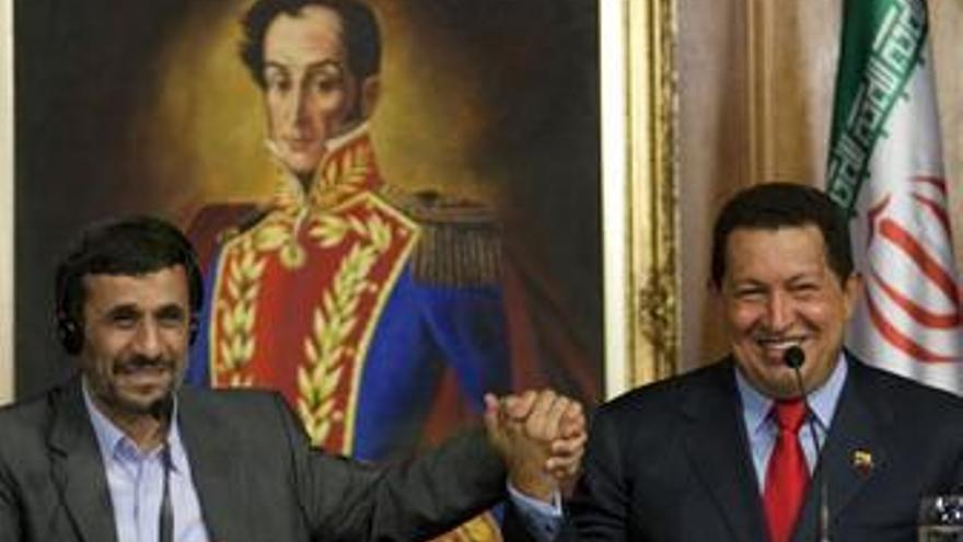 Ahmadineyad se reúne con su homólogo Hugo Chávez