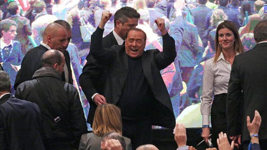 """Berlusconi considera """"un golpe de Estado"""" su posible expulsión del Senado"""
