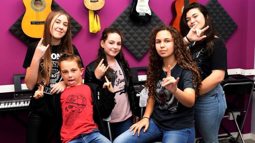 Las niñas rockeras, de un festival local a grabar donde los Beatles