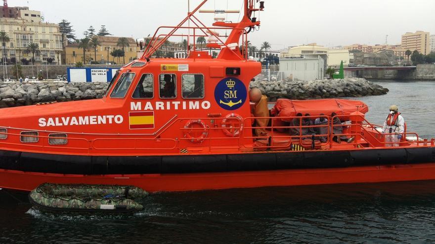 Rescatados 136 migrantes, 15 mujeres, de tres pateras que navegaban en aguas del Estrecho