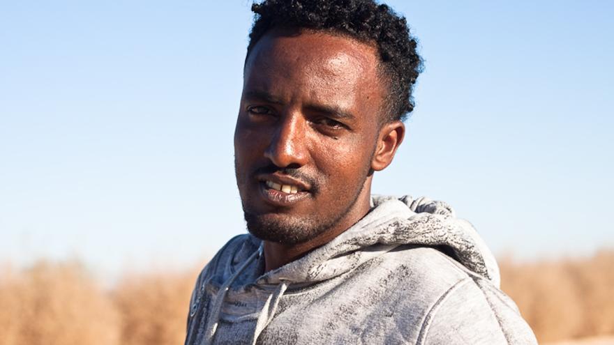 Russom Kidane, de Eritrea, estuvo un año secuestrado en un campo de tortura en el Sinaí.   Foto: Isabel Cadenas Cañón.