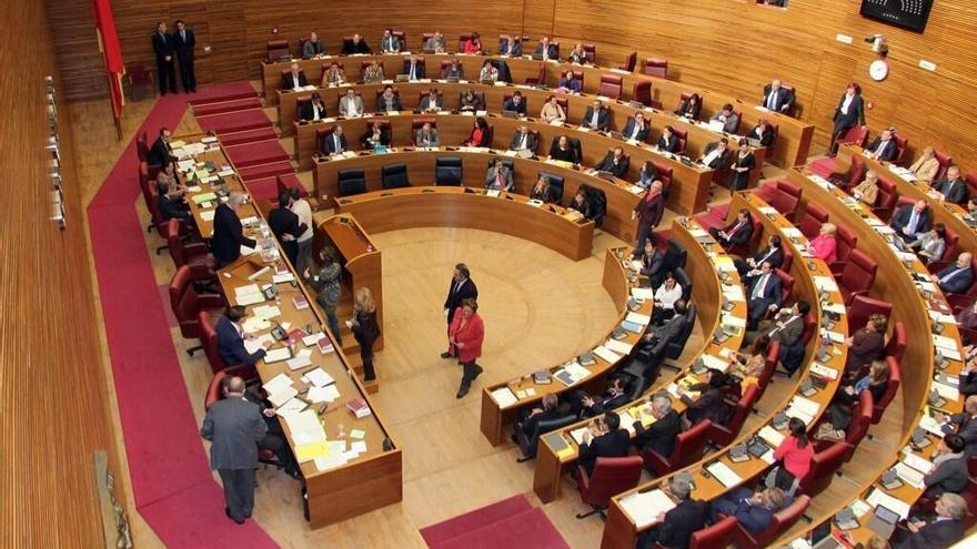 La elección de los nuevos consejeros y director general se resolverá el jueves al no lograr la mayoría necesaria