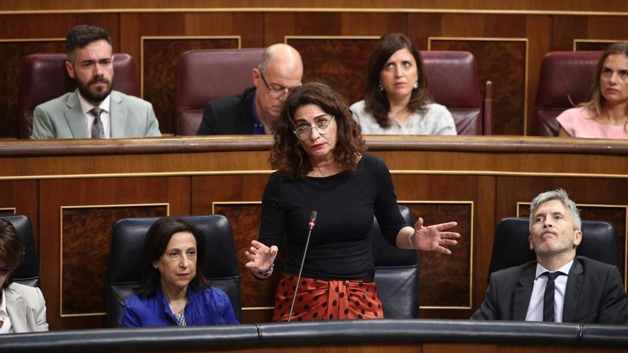 La ministra de Hacienda, María Jesús Montero, durante la sesión de control en el Congreso.