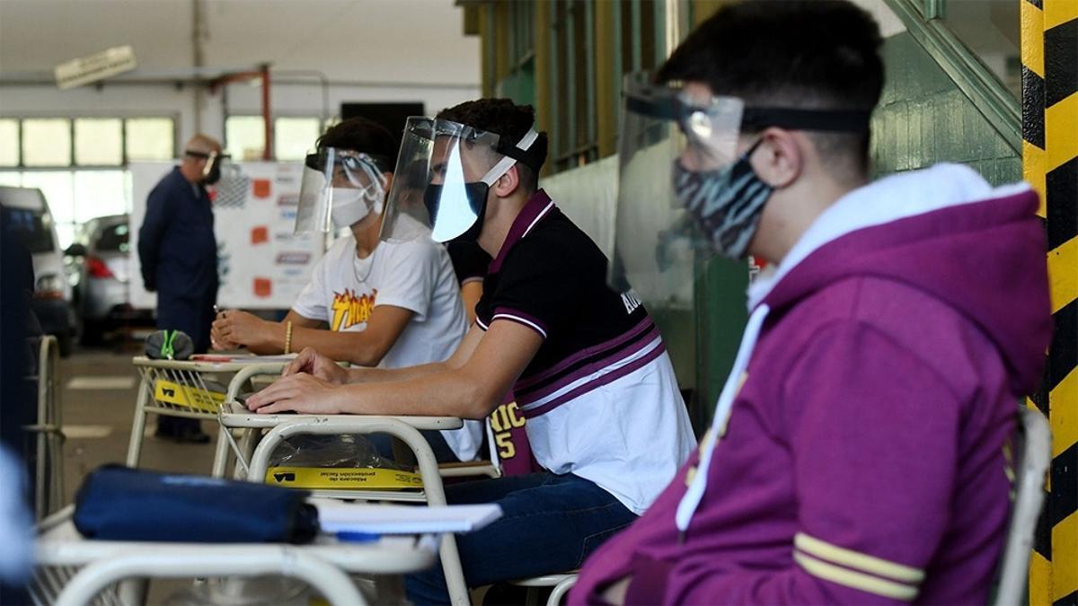 Estudiantes de escuela privada en pandemia