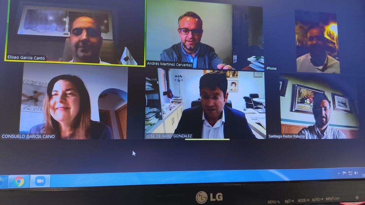 El equipo de gobierno del Ayuntamiento de Molina de Segura en videoconferencia con la empresa Málaga Trading