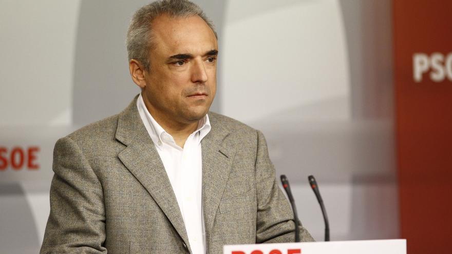 Simancas (PSOE) reitera su 'no' al PP, con o sin Rajoy, y tampoco ve factible una alternativa con Podemos