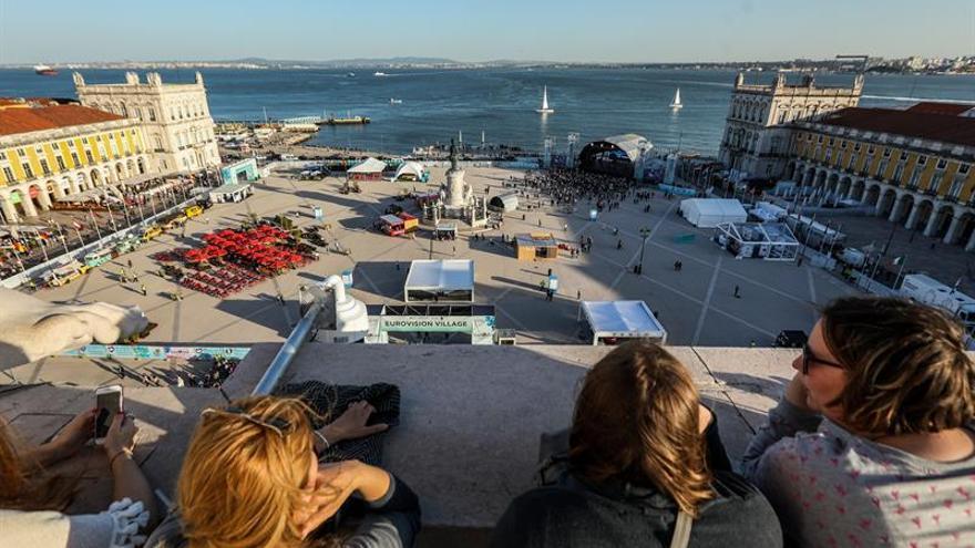 """Los """"eurofanes"""" toman Lisboa a un día del arranque oficial de Eurovisión"""