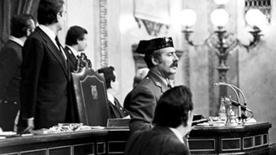 Antonio Tejero en el golpe de Estado del 23-F. (EUROPA PRESS)