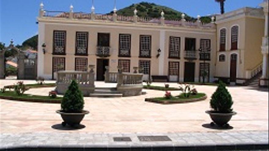 Villa de Mazo destina 100.000 euros al tejido empresarial y acciones sociales